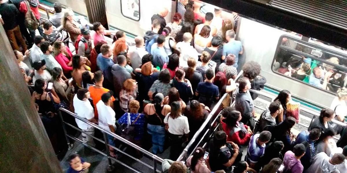 Linha 3- Vermelha do Metrô opera com velocidade reduzida