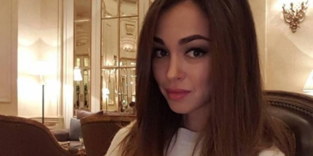 Medio internacional destaca la belleza de la esposa de Cristhian Noboa
