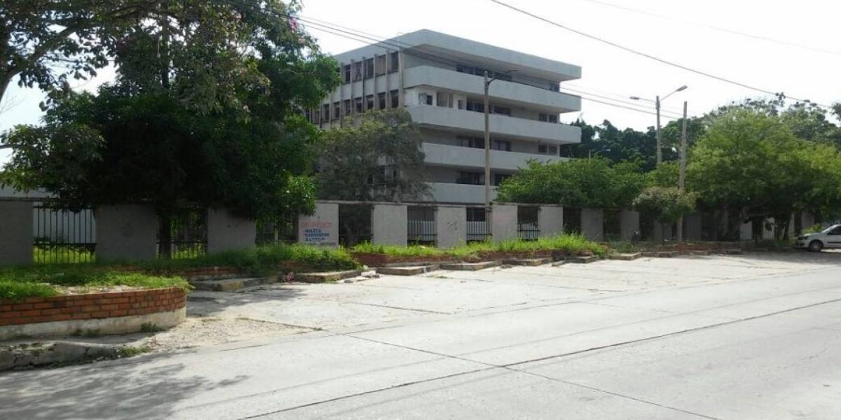 Hospital abandonado, lugar de encuentro para mantener relaciones íntimas y consumir drogas