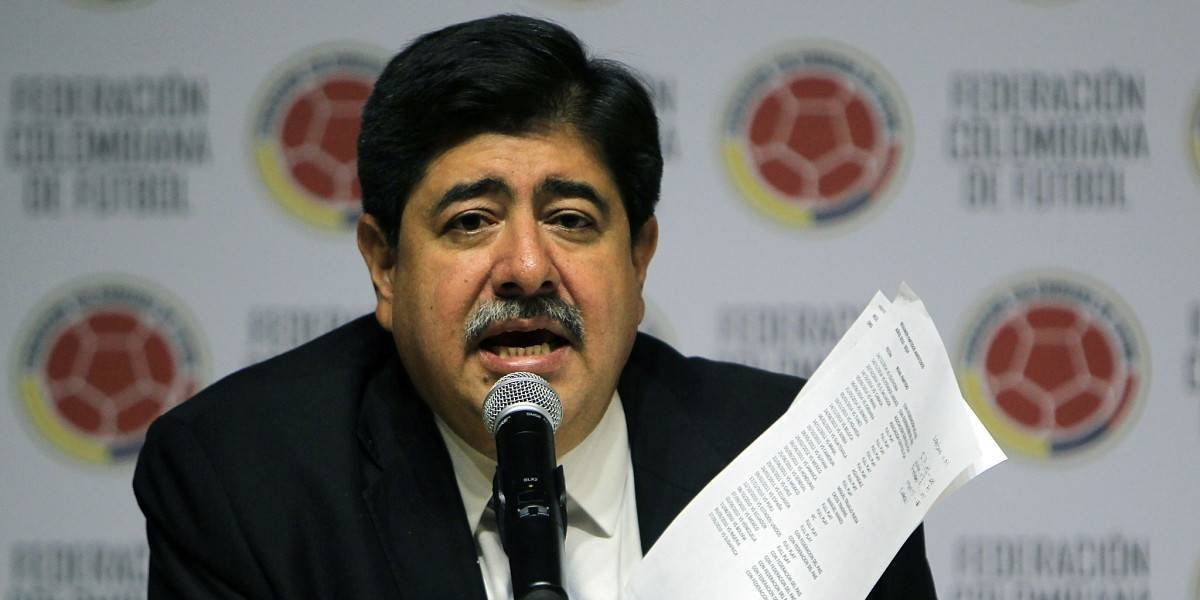 Aplazan nuevamente la sentencia contra Luis Bedoya por el Fifagate