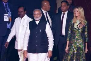 Ivanka Trump junto al primer ministro Narendra Modi