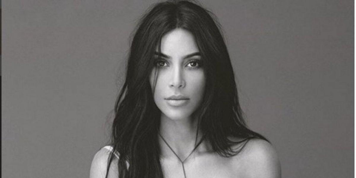 Kim Kardashian arrasa en las redes al pintar su cuerpo desnudo para promover sus cosméticos