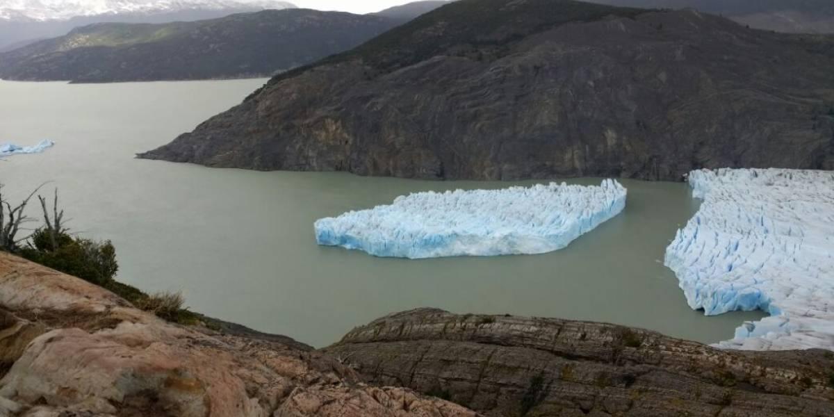 Masa de Hielo se desprende de glaciar Grey en Torres del Paine