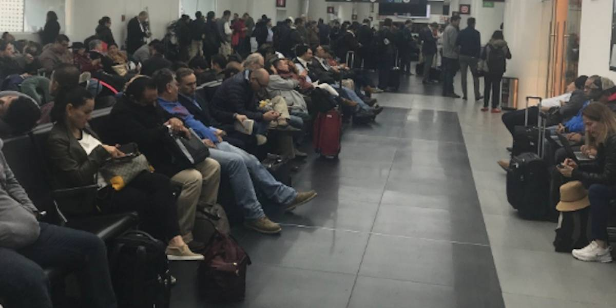 ¿Qué hagosi mi vuelo está demorado o fue cancelado?
