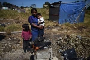 """Familias en la colonia """"El Zarzal"""""""