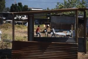 """Familias en colonia """"El Zarzal"""""""