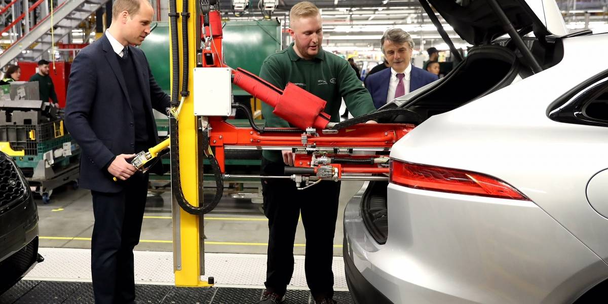 Con visitas reales, Jaguar Land Rover celebra los éxitos de su planta de Solihull