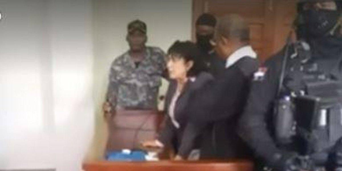 Marlin Martínez dice no puede ser jueza de su hijo Marlon