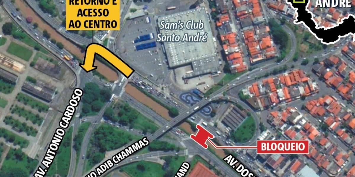 Mais uma ponte é fechada na avenida dos Estados em Santo André