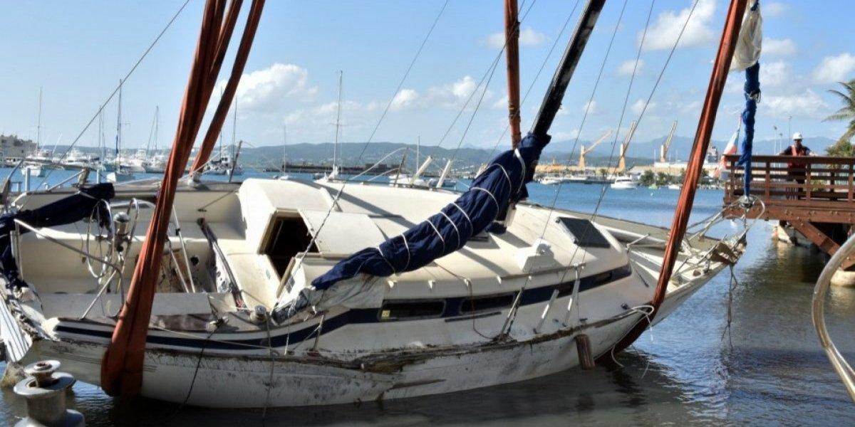 Guardia Costera termina remoción de embarcaciones hundidas por el huracán María