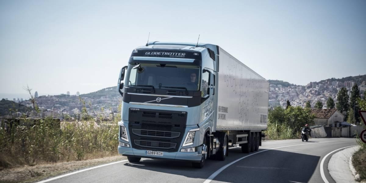 El Volvo FH LNG gana el premio a Camión Sustentable del Año en la serie Tracto