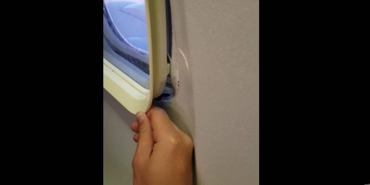 Passageiro abre janela de avião em pleno voo