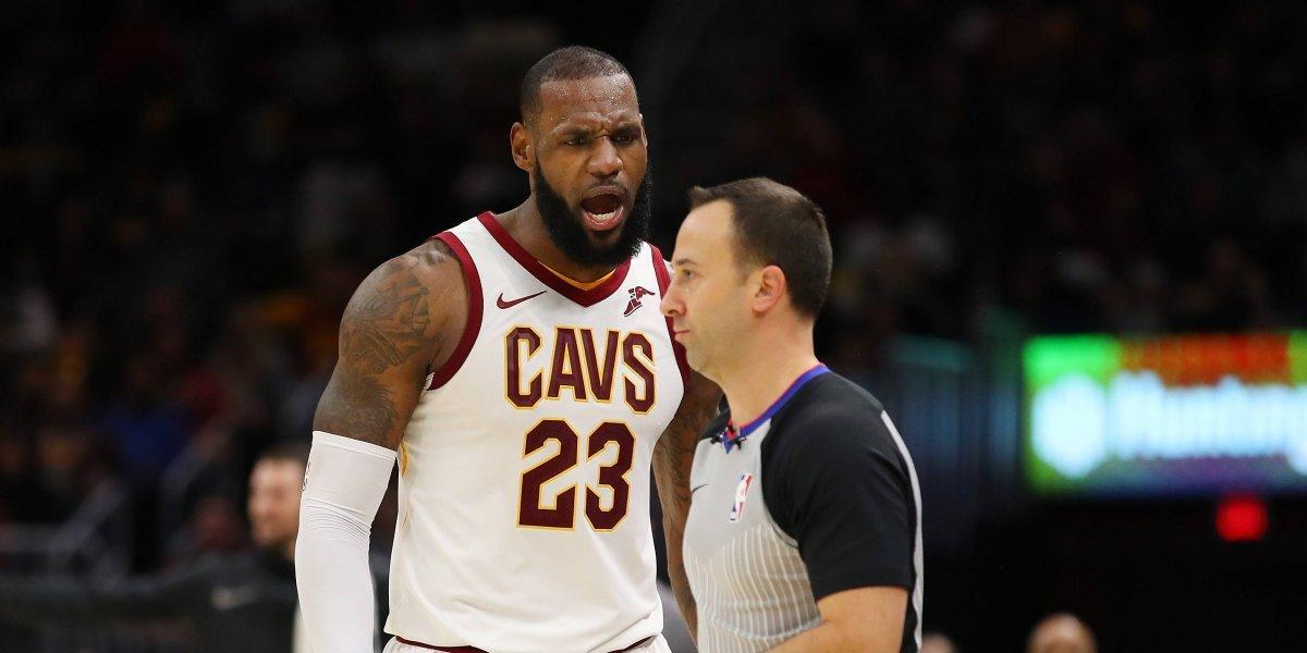 LeBron James fue expulsado por primera vez en la NBA en victoria de Cleveland
