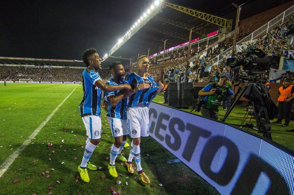 Luan comemora o segundo do Grêmio Lucas Uebel/Grêmio