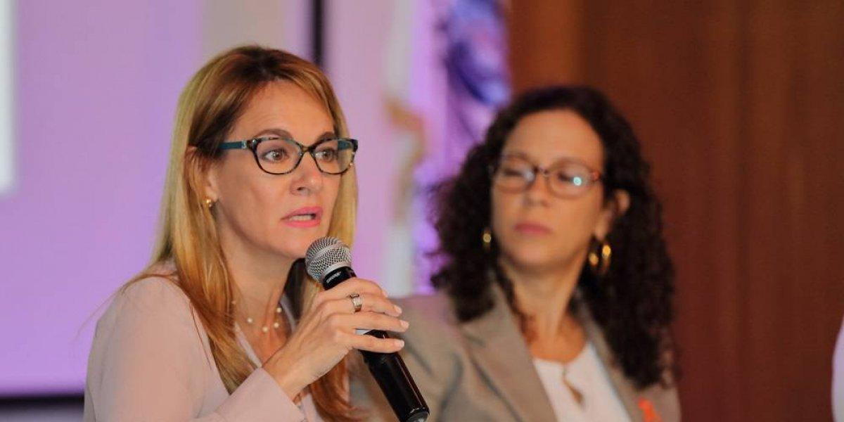 Imparten conferencia 'Igualdad de género en República Dominicana'