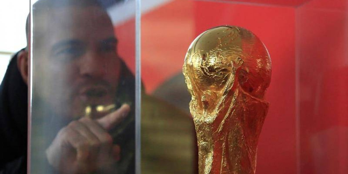 Todo listo para el sorteo: El trofeo de la copa del mundo llega al Palacio del Kremlin