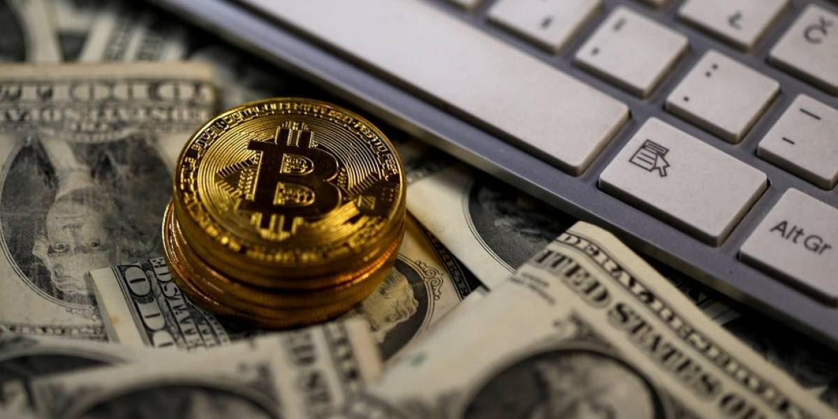 Depois de fortes ganhos, bitcoin cai 20% em 10 horas