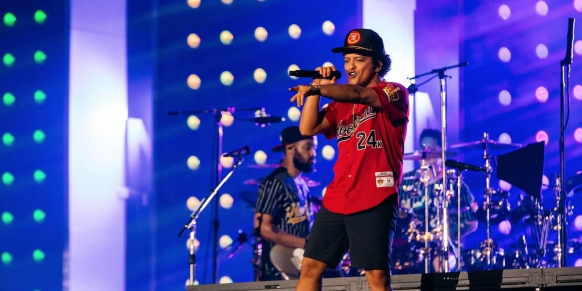 Bruno Mars no dejó dudas de su condición de mega estrella en el Estadio Nacional