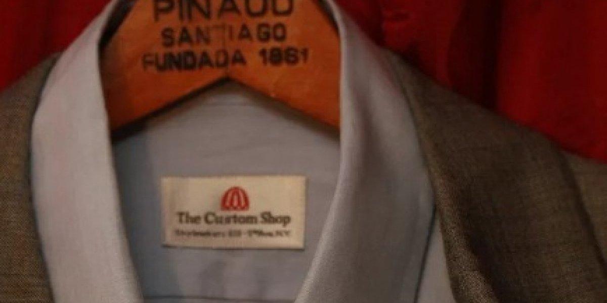 ¿Buscando regalo para tu familiar de ultra derecha? En internet puedes comprar un terno ocupado por Pinochet