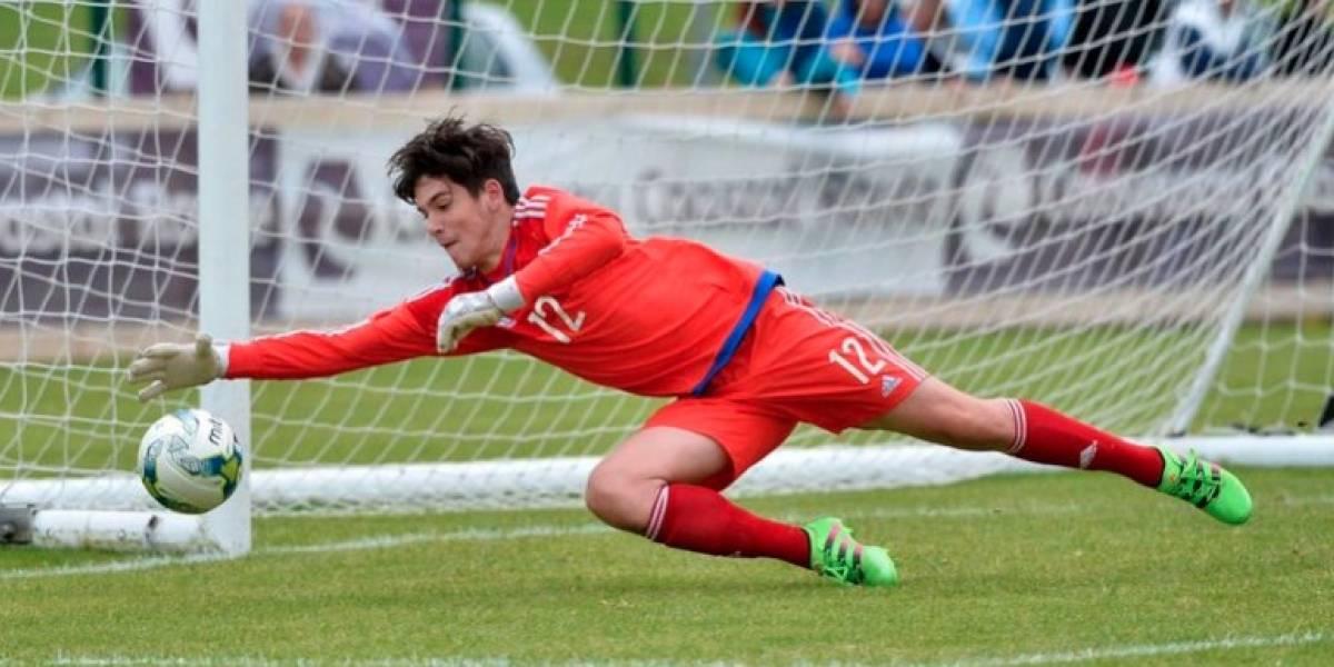 Debuta portero con equipo de Primera División a los 14 años