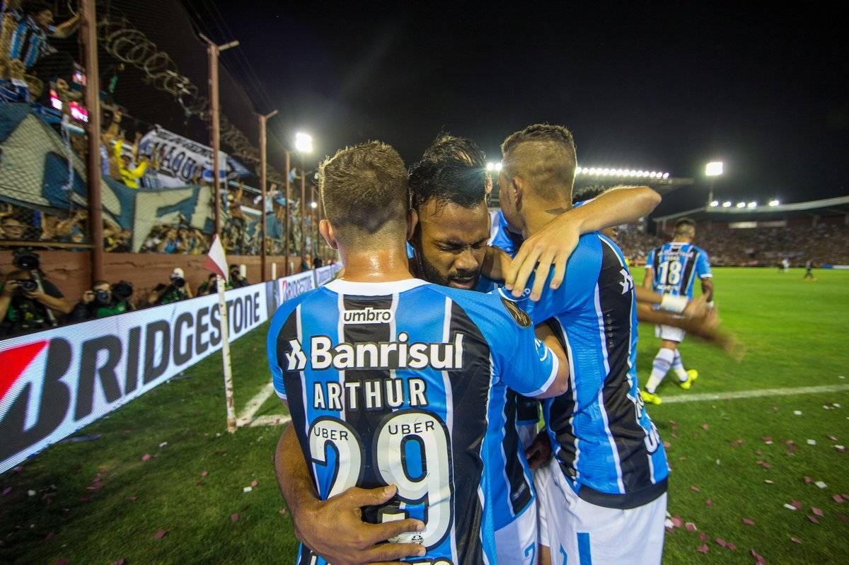 Fernandinho fez o primeiro do Grêmio Lucas Uebel/Grêmio