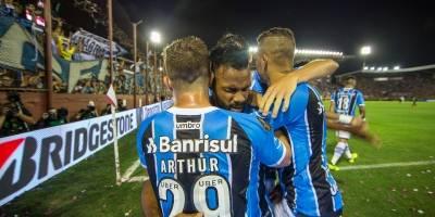 Fernandinho fez o primeiro do Grêmio