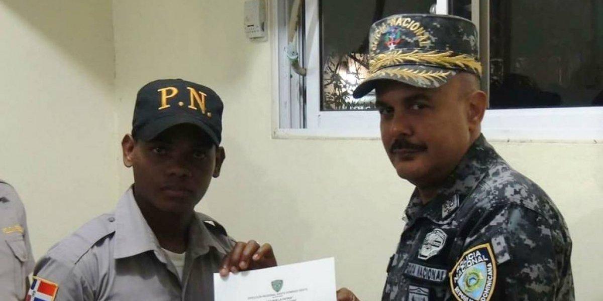 Policía Nacional reconoce a 19 agentes por buen desempeño
