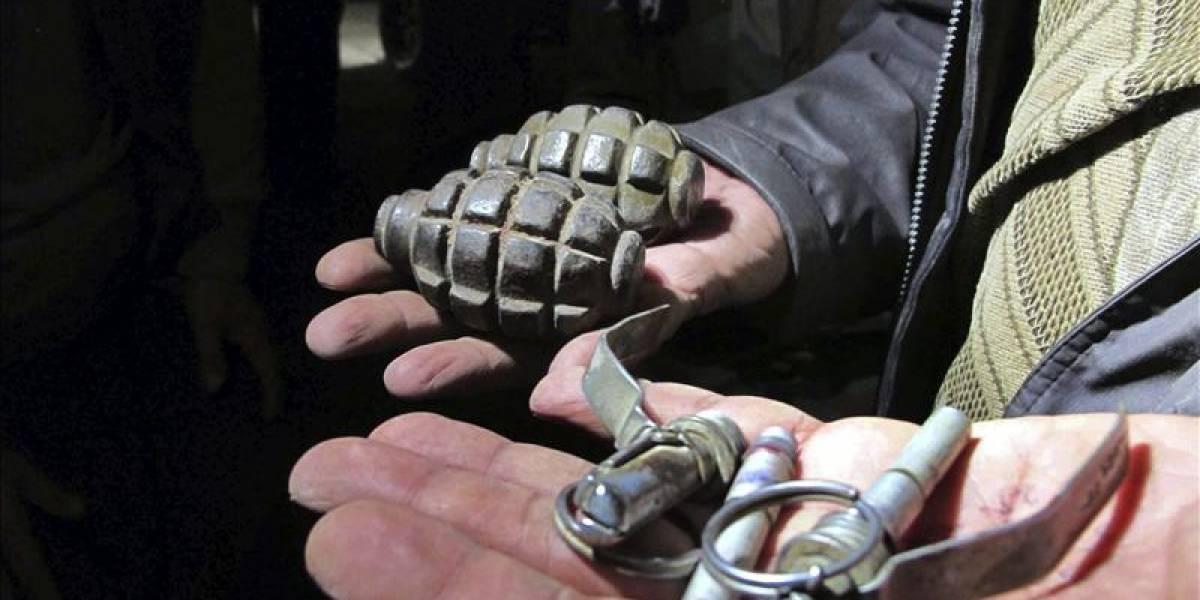 Ideia ruim: russo tira selfie com granada