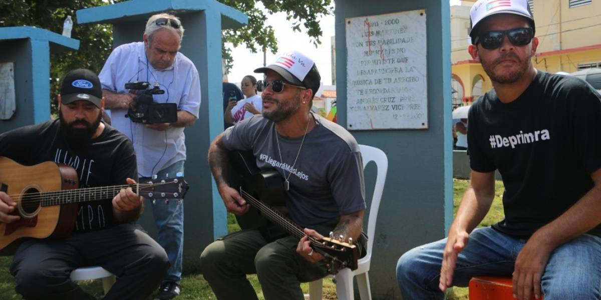 Ford junto a Pedro Capó llegaron solidarios a Arecibo