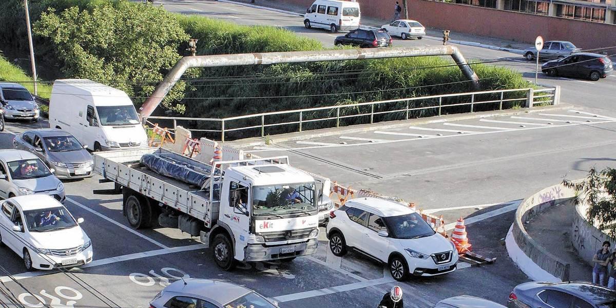 Ponte interditada na Grande São Paulo será reaberta em 3 meses