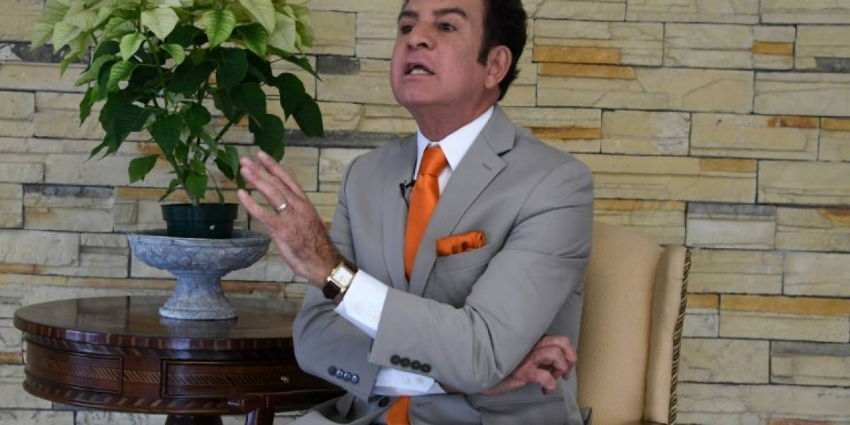 "Nasralla: ""Hernández puso a votar a muertos (...) él ya hizo un fraude"""