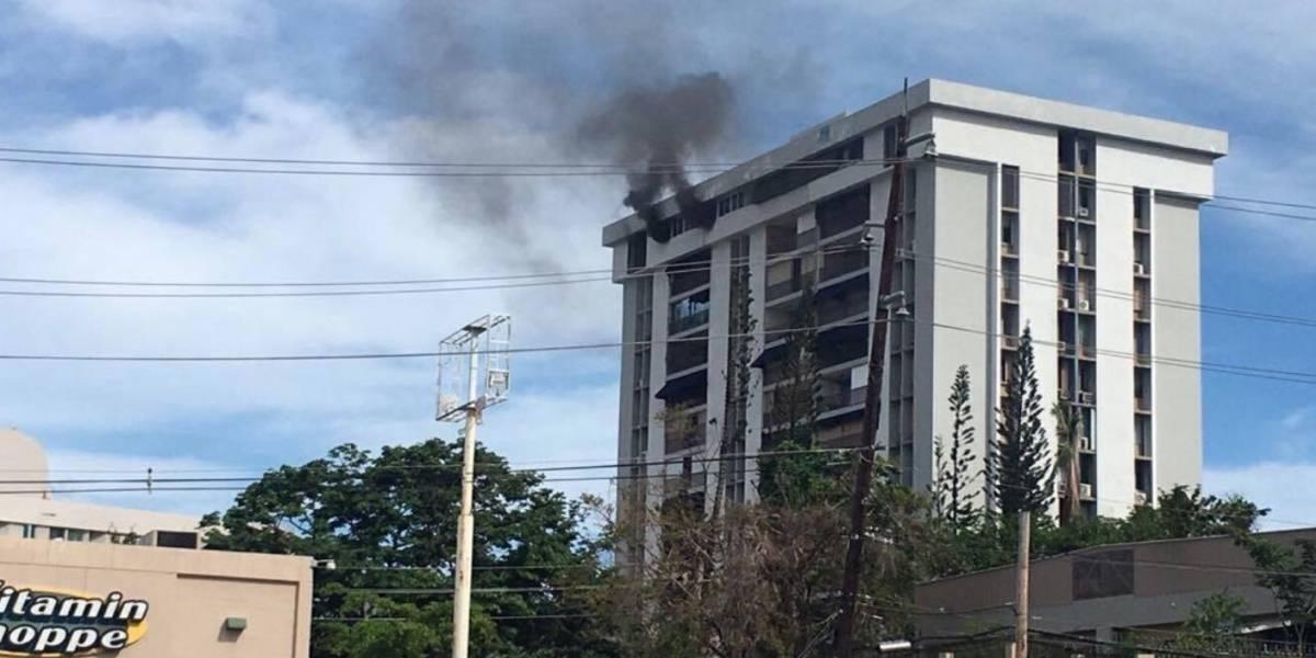 Reportan incendio en condominio en San Patricio