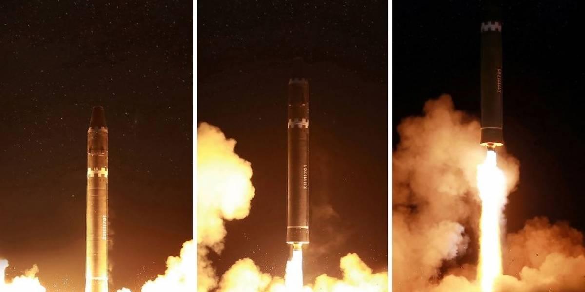 Corea del Norte revela las imágenes de su poderoso misil y de la eufórica celebración de Kim Jong-un