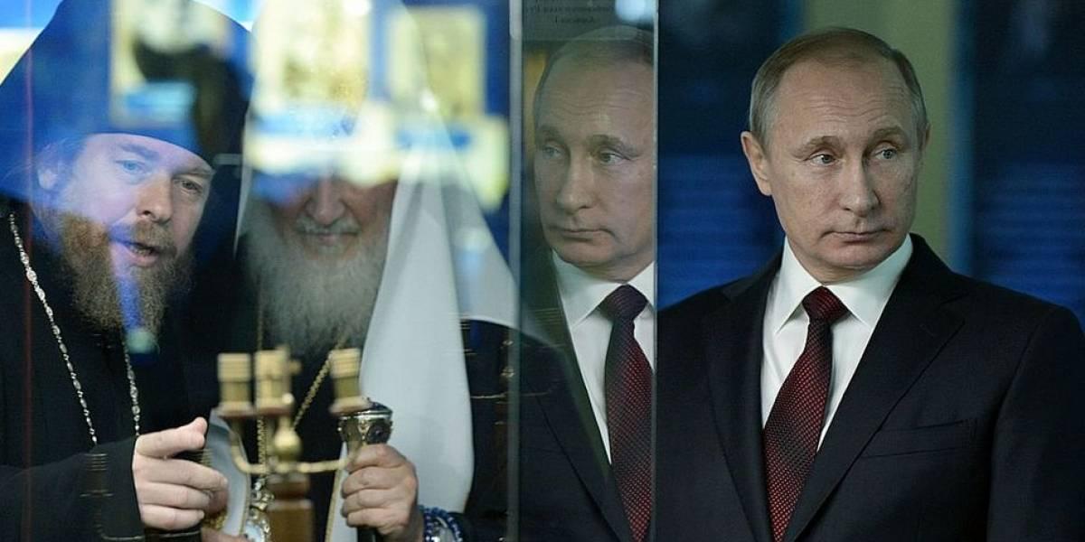 """Quién es el padre Tikhon Shevkunov, el poderoso y polémico """"consejero espiritual"""" del presidente ruso Vladimir Putin"""