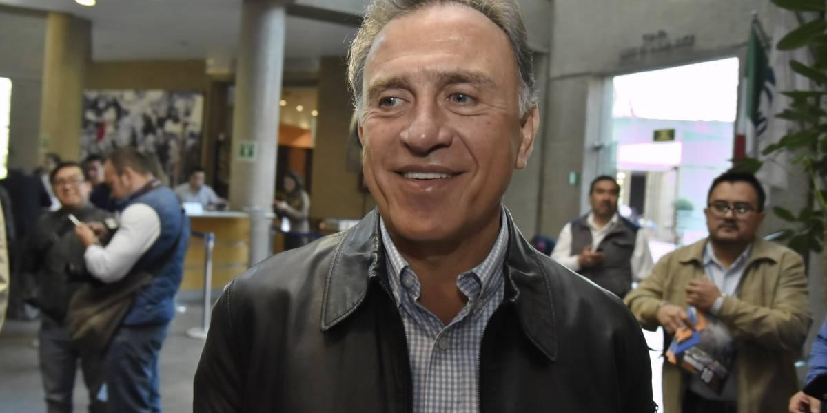 Yunes comparece ante congreso de Veracruz