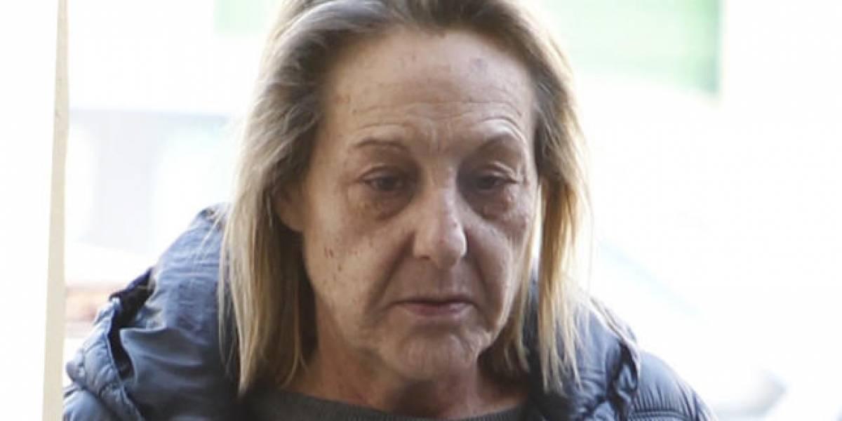 Mujer quema vivo al violador de su hija