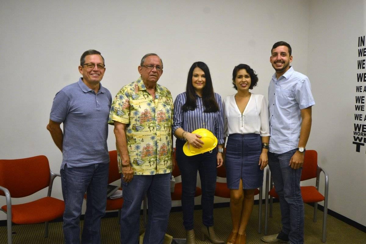 Mesa redonda invitada por Metro para discutir la temporada de huracanes. De izquierda a derecha, José Rivera Santana, Epifanio Jiménez, Astrid Díaz, Melissa Cortés y Jorge Pagán.