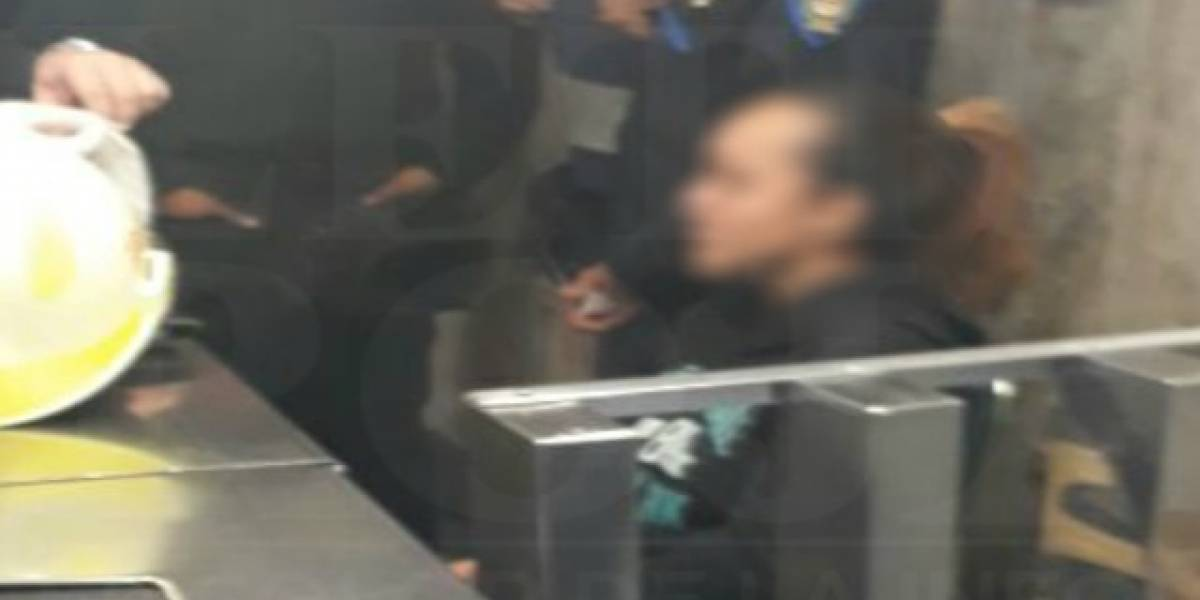 Escapa de secuestro y se refugia en estación del Metro