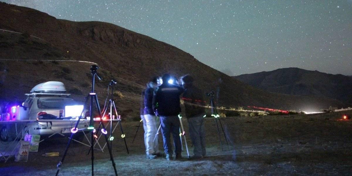 Graban un ovni en el Cajón del Maipo: este es el registro que asombra a observadores del cielo