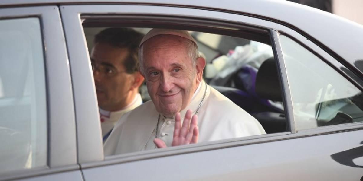 El Papa llega a Bangladés, tras su gira por Birmania