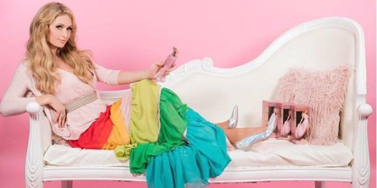 Paris Hilton publica foto de maiô e levanta polêmica