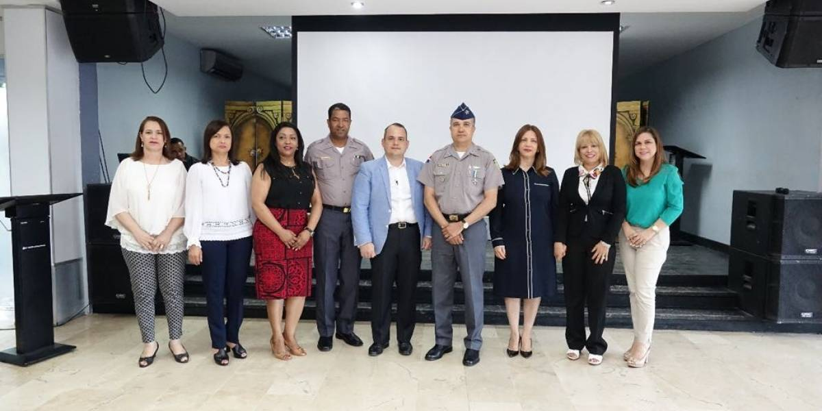 """Policía Nacional promueve prevención del """"Cáncer de Próstata"""" entre sus agentes"""