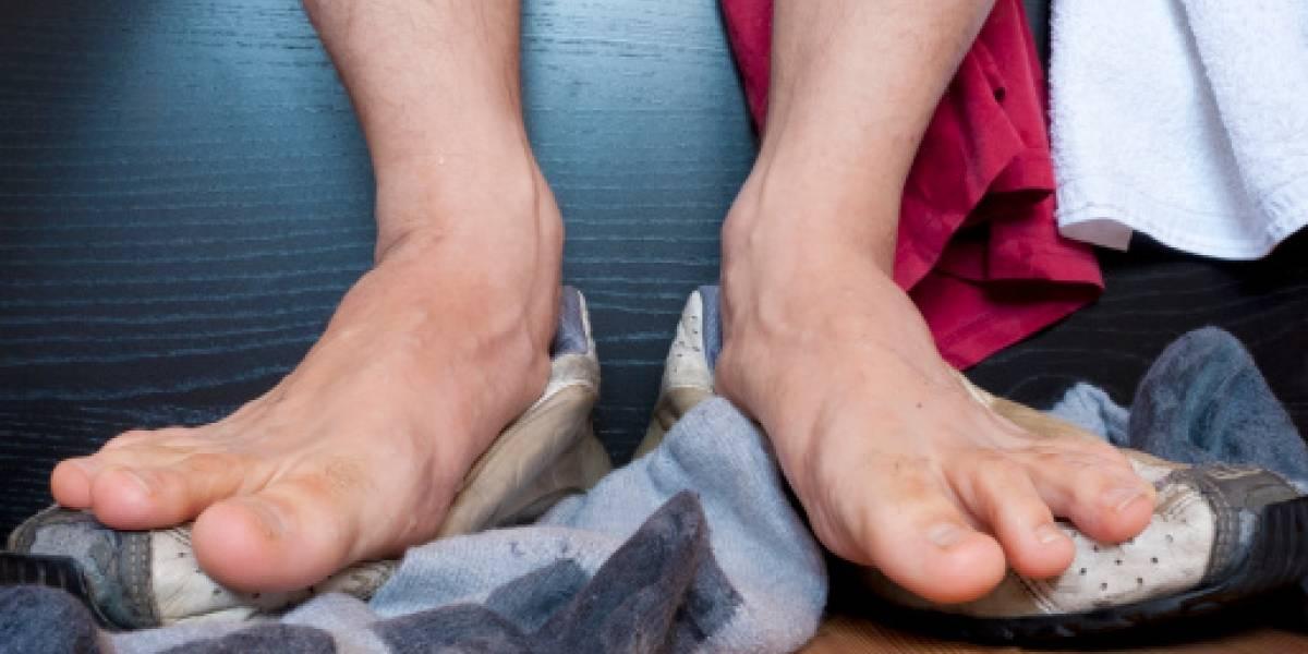 Un hombre fue arrestado en un autobús indio por el olor de sus pies