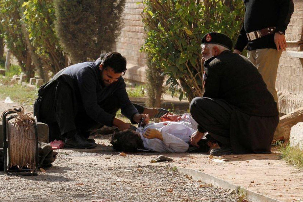 Pakistán: Hombres armados abren el fuego en la Universidad de Peshawar