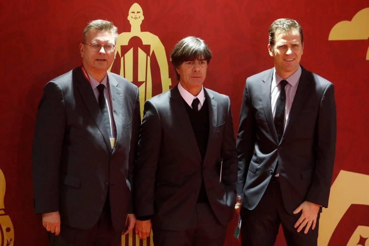 O treinador da Alemanha, Joachim Low, e o técnico do time Oliver Bierhoff | Sergei Karpukhin/Reuters