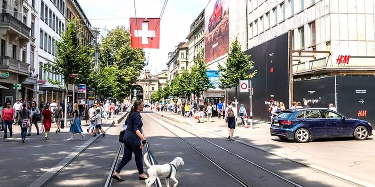 Por qué la ciudad suiza de Zúrich va a expulsar a 130 millonarios de sus casas