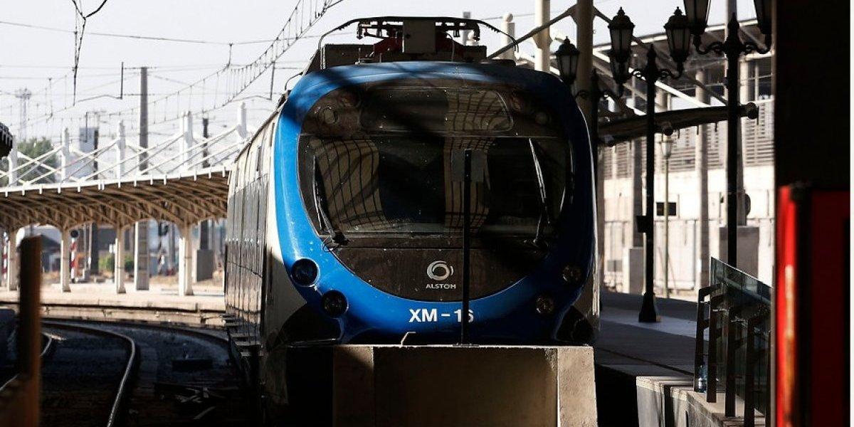 ¡Quién lo hubiera dicho! Agradecen al Transantiago por salvar a pasajeros del colapso vial tras paro de Tren Central