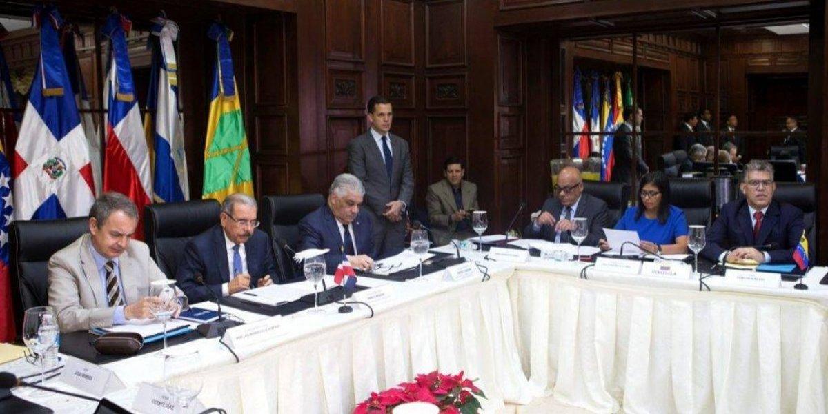 Gobierno y oposición de Venezuela inician nuevo diálogo en Santo Domingo