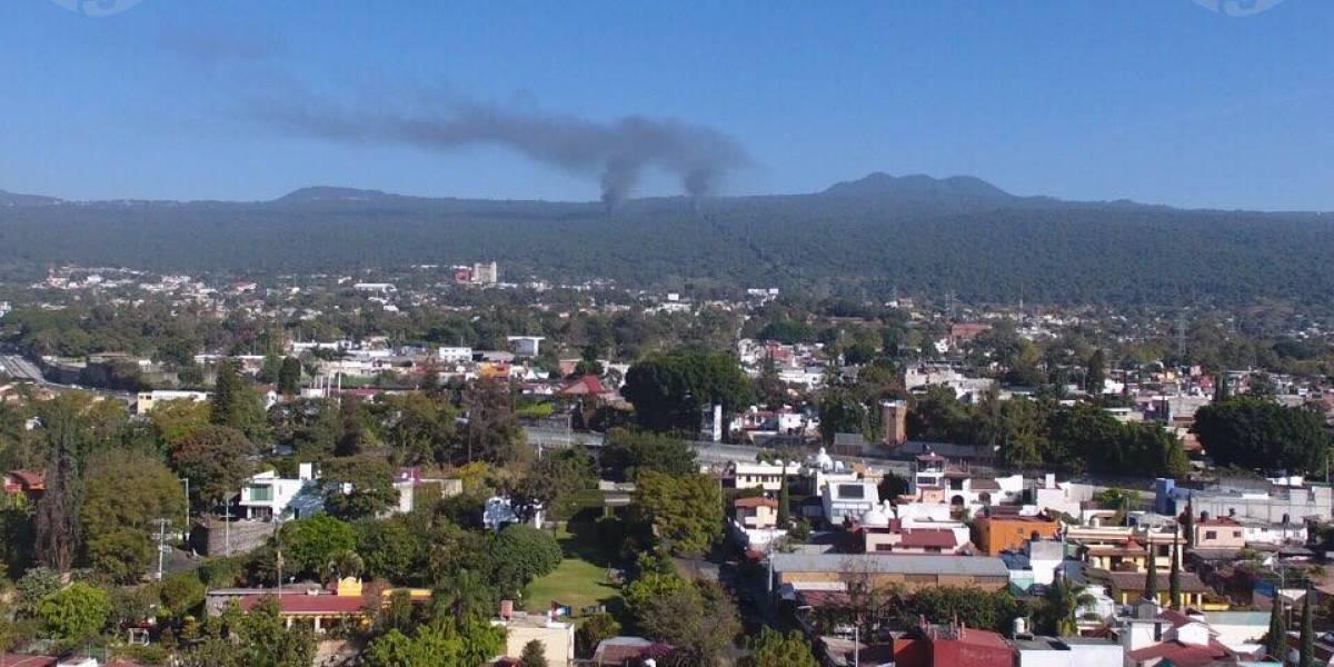 Explotan dos vehículos con bidones de gasolina presuntamente robada, en Morelos (+Fotos)