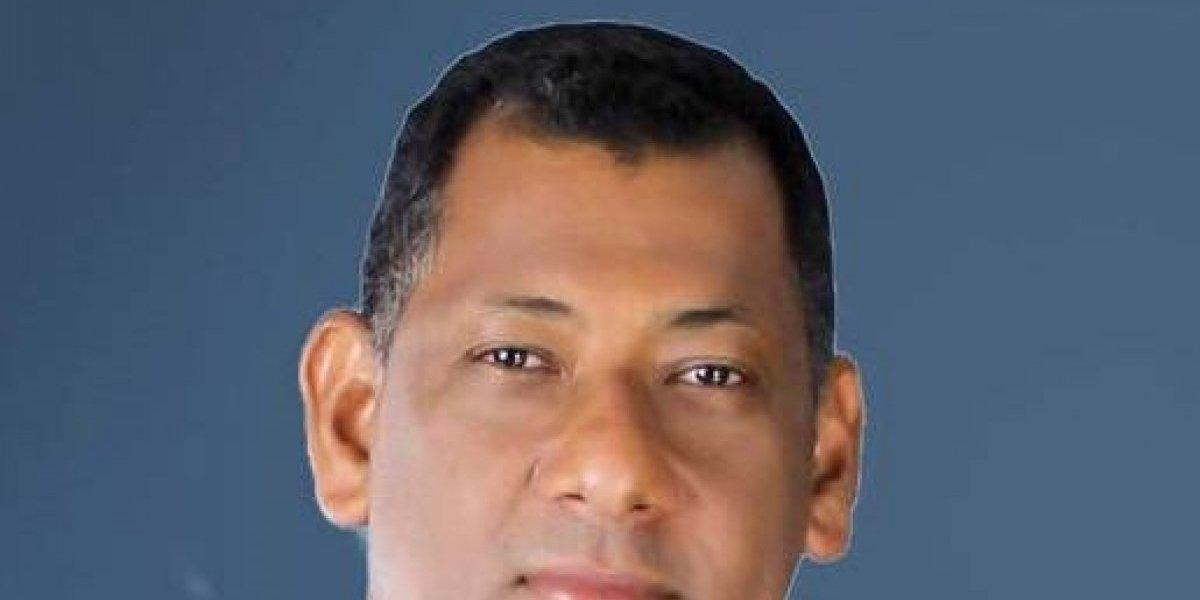 Enrique García se compromete devolverle la transparencia al CARD